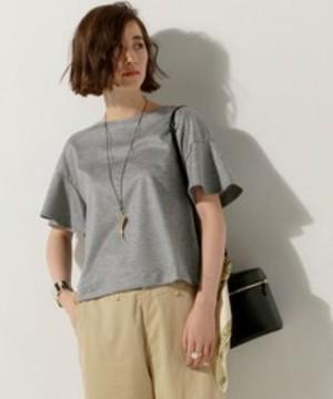 芸能人主役・営業部長が営業部長 吉良奈津子で着用した衣装Tシャツ