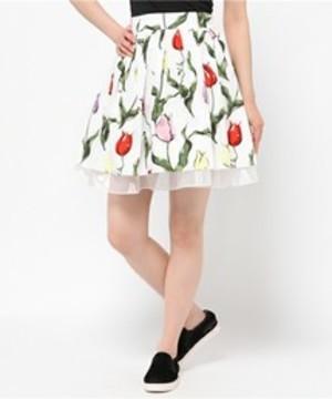 芸能人がA-Studioで着用した衣装スカート