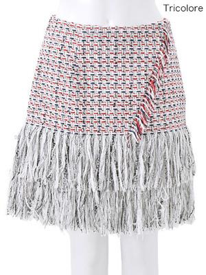 芸能人土屋巴瑞季がヒルナンデス!で着用した衣装スカート