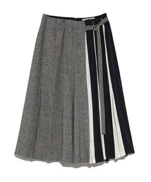 芸能人指原莉乃がおじゃマップで着用した衣装スカート
