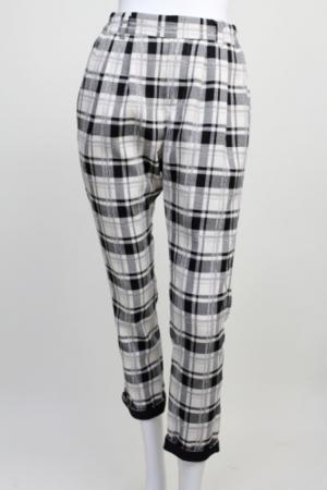 芸能人池澤あやかがアベマプライムで着用した衣装パンツ