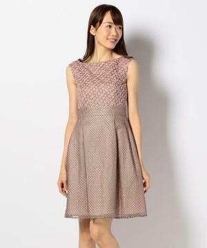 芸能人がジョブチューン ~アノ職業のヒミツぶっちゃけます!で着用した衣装トップス&スカート