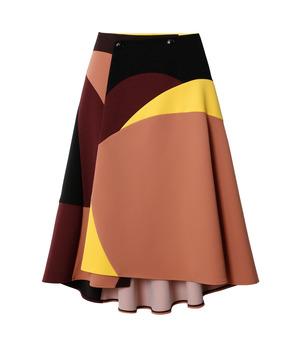 芸能人が地味にスゴイ!校閲ガール・河野悦子で着用した衣装スカート