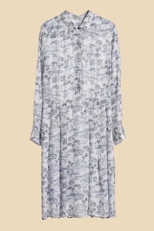 芸能人市川紗椰がユアタイムで着用した衣装ブラウス