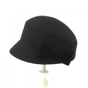 芸能人が黒い十人の女で着用した衣装帽子