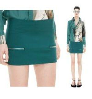 芸能人がCM 資生堂 マキアージュで着用した衣装スカート
