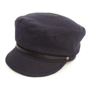 芸能人長屋なぎさがブログで着用した衣装帽子