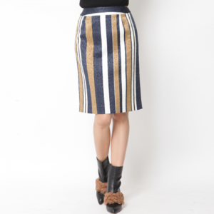芸能人がサンデードラゴンズで着用した衣装スカート