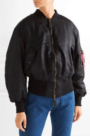 芸能人がInstagramで着用した衣装アウター