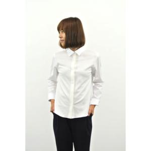 芸能人宮澤エマがabemaプライムで着用した衣装シャツ/ブラウス