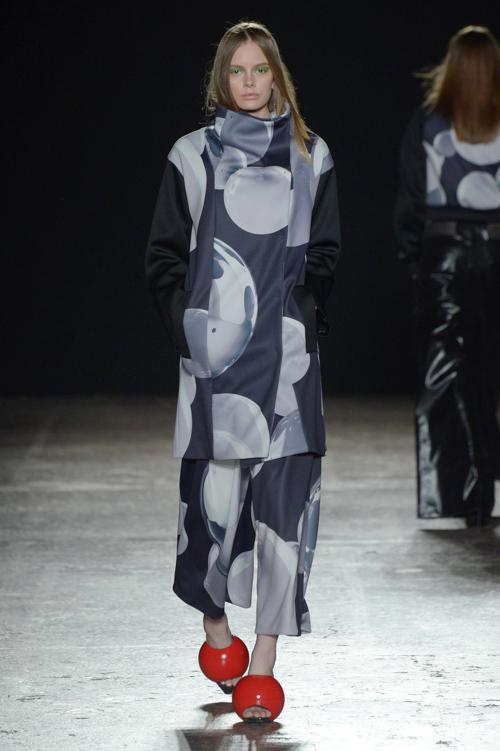芸能人が日テレ系音楽の祭典 ベストアーティスト2016で着用した衣装カットソー