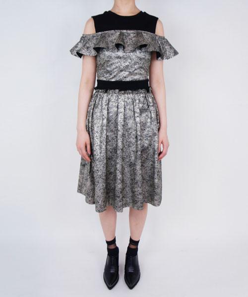 芸能人ICONIQが今夜くらべてみましたで着用した衣装ワンピース