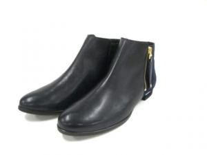 芸能人モデルがC CHANNELで着用した衣装ブーツ