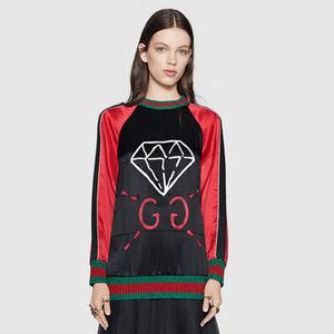 芸能人がInstagramで着用した衣装Tシャツ・カットソー/トレーナー