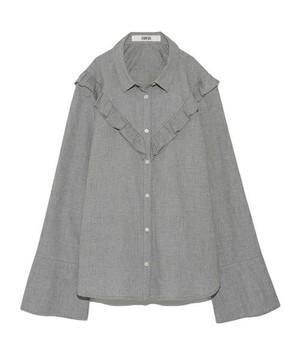 FURFURのスフレフリルシャツ