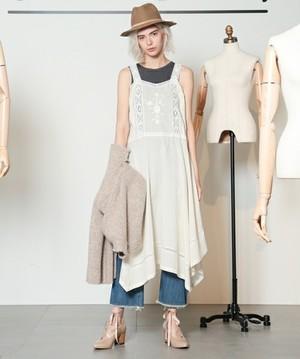 芸能人新垣結衣が逃げるは恥だが役に立つで着用した衣装ワンピース