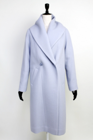 芸能人穂川果音がアベマプライムで着用した衣装アウター
