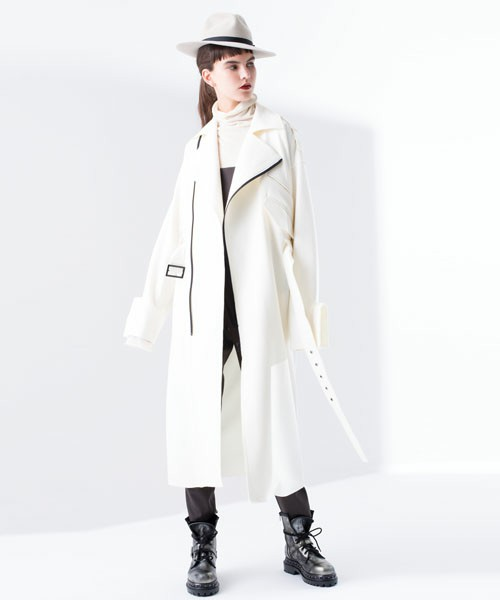 AULA AILAのCOMPRESSED WOOL COAT