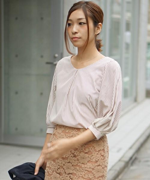 芸能人川口春奈がChef ~三ツ星の給食~で着用した衣装スカート
