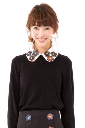 芸能人水卜麻美がダイエットヴィレッジで着用した衣装ニット