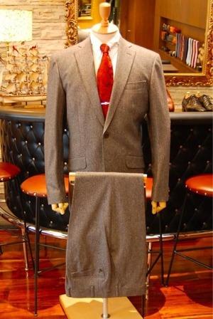 芸能人がアナザースカイで着用した衣装スーツ