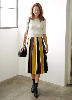 芸能人不明がInstagramで着用した衣装スカート