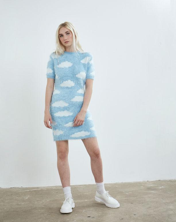 芸能人藤田ニコルがInstagramで着用した衣装ワンピース