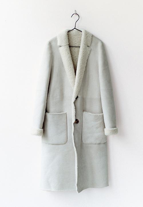 芸能人田丸麻紀がInstagramで着用した衣装アウター