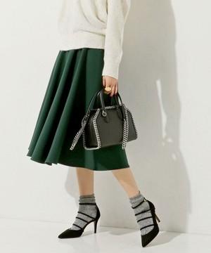 芸能人hanaがInstagramで着用した衣装スカート