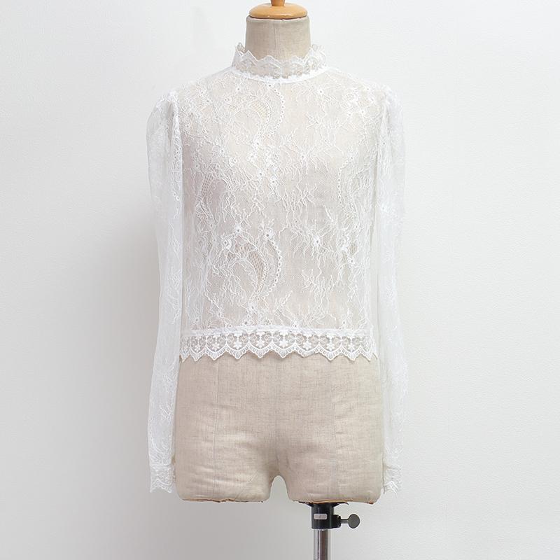 芸能人指原莉乃がワイドナショーで着用した衣装シャツ / ブラウス