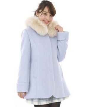 芸能人が鈴木で着用した衣装コート