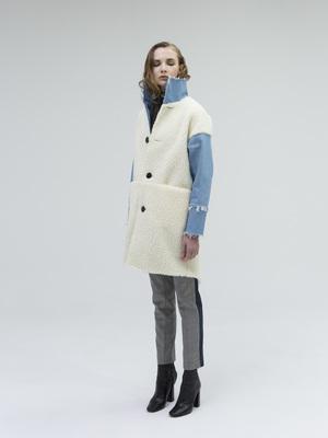 芸能人佐藤栞里が有吉の壁で着用した衣装コート
