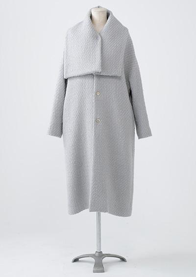 芸能人親友・ネイリストが東京タラレバ娘で着用した衣装アウター