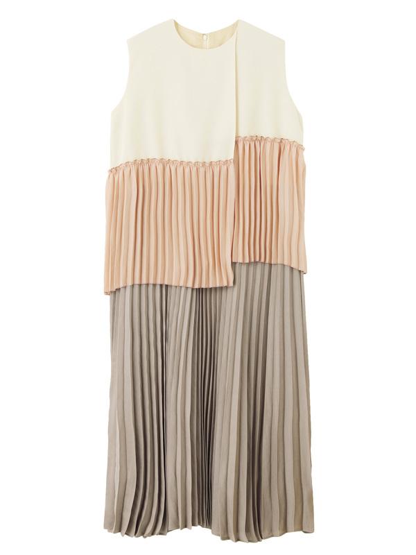 芸能人市川紗椰がユアタイムで着用した衣装ジュエリー
