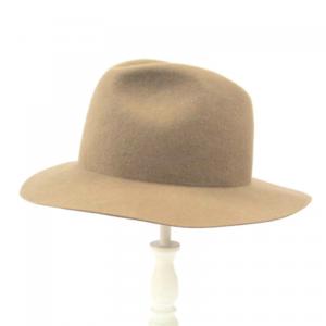 芸能人がC CHANNELで着用した衣装帽子