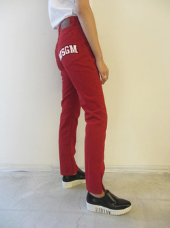 芸能人金髪・モデルが東京タラレバ娘で着用した衣装パンツ