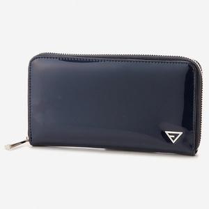 芸能人がTwitterで着用した衣装財布