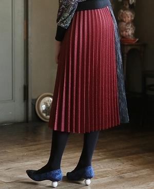 芸能人伊藤万理華がブログで着用した衣装スカート
