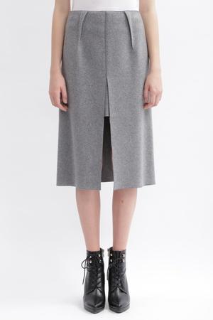 芸能人が乃木坂工事中で着用した衣装スカート