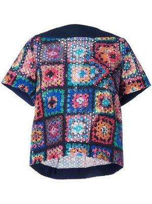芸能人三吉彩花がInstagramで着用した衣装ワンピース