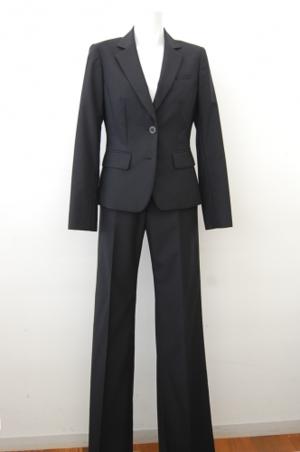 芸能人が東京女子図鑑で着用した衣装スーツ(2ピース)