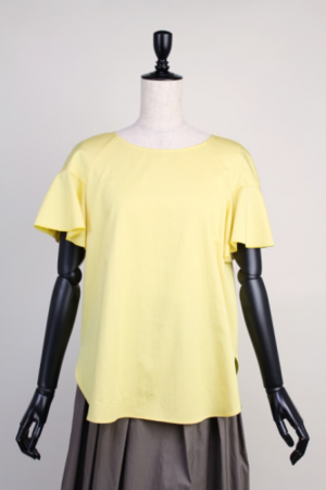 芸能人安藤聖が東京女子図鑑で着用した衣装シャツ / ブラウス