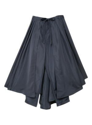 芸能人シェリーがヒルナンデス!で着用した衣装スカート