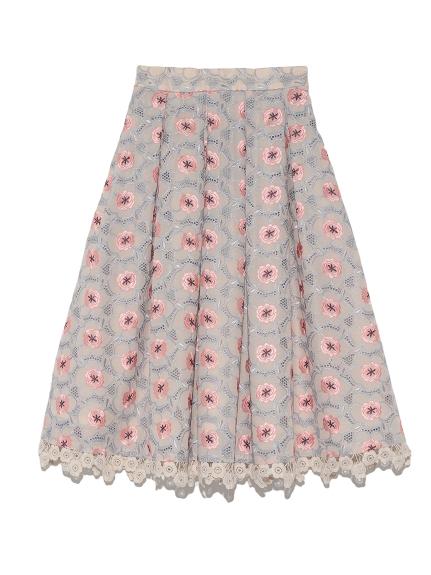 芸能人新川優愛が世界一受けたい授業で着用した衣装スカート