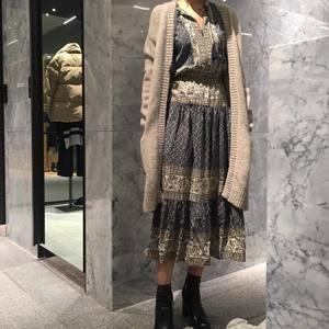 芸能人伊藤千晃がココア/misachia MVで着用した衣装ワンピース