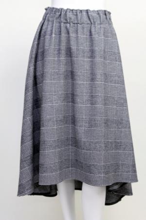 芸能人三浦優奈がPON!で着用した衣装スカート