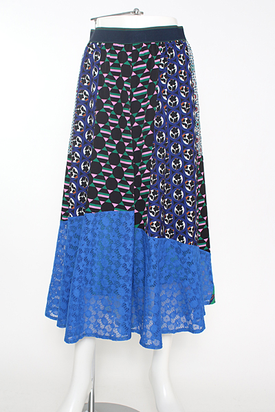 芸能人柳原可奈子が#nakedEveで着用した衣装スカート