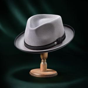 芸能人が今夜はナゾトレで着用した衣装帽子