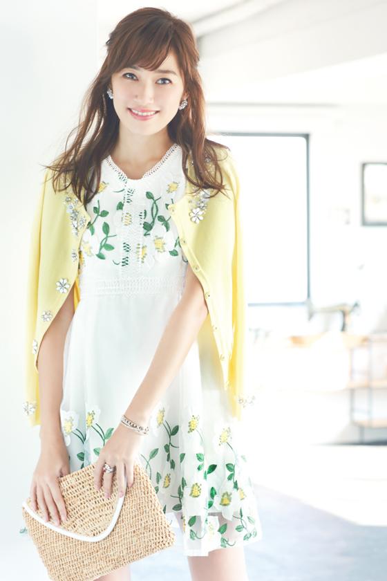 芸能人モデルがInstagramで着用した衣装ワンピース