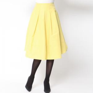 芸能人がAbemaPrimeで着用した衣装スカート